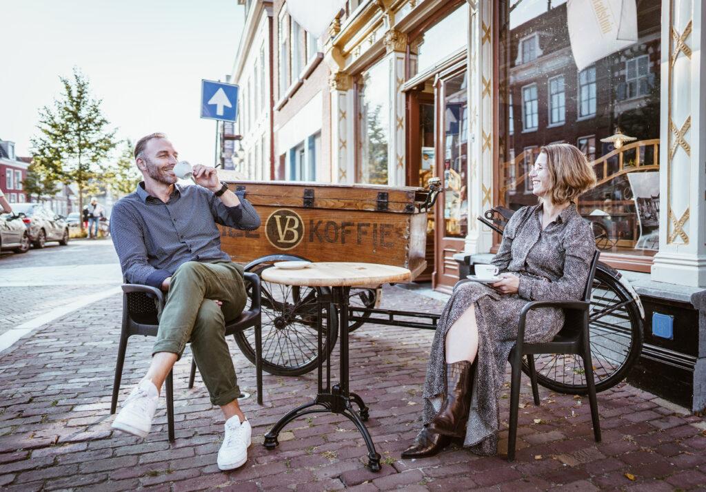 Gasten genieten van Van Balen Koffie