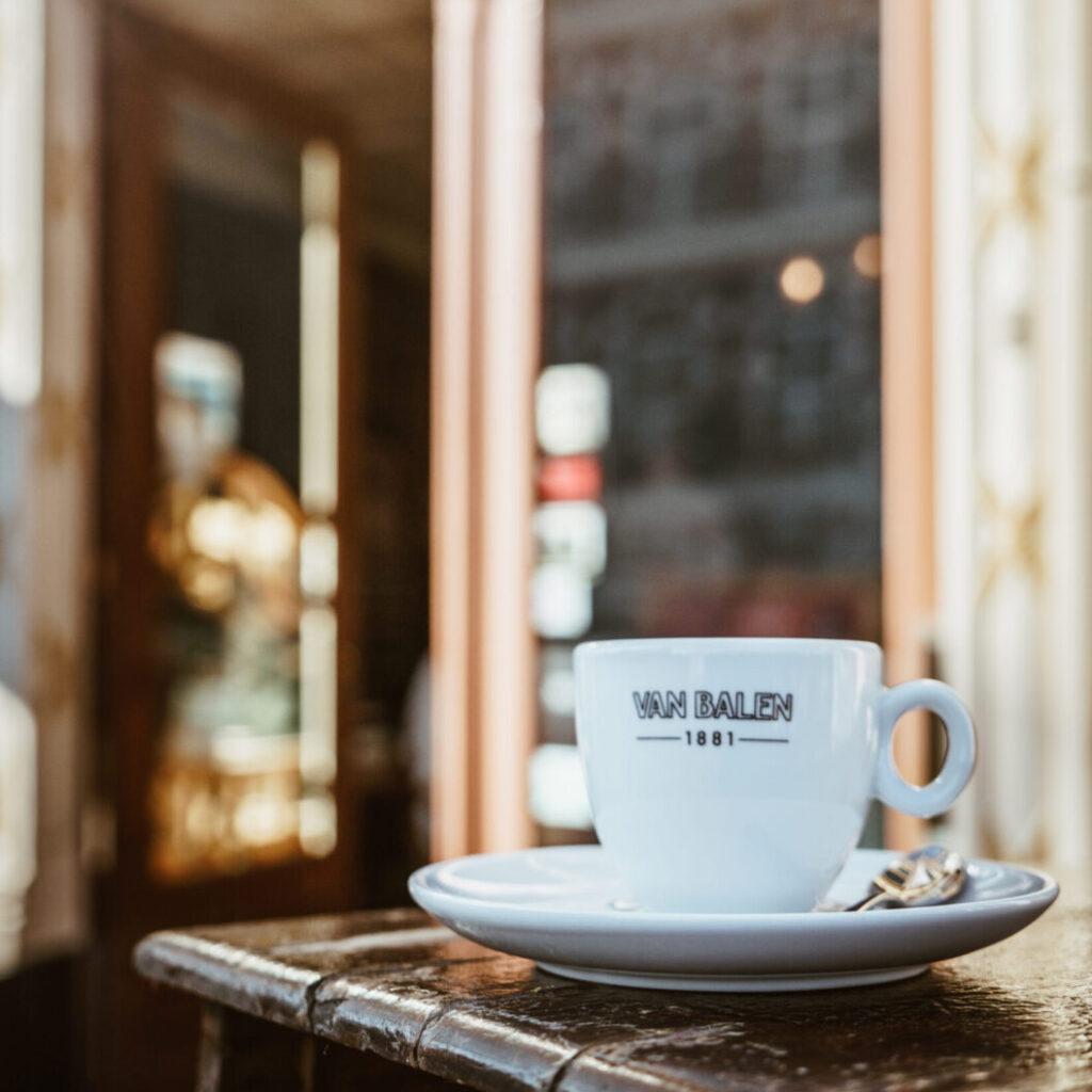 Koffie kopje bij Brasserie de Stadstuin